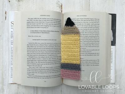 free pencil bookmark applique crochet pattern