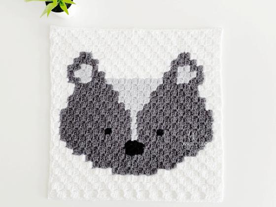 corner to corner skunk crochet pattern